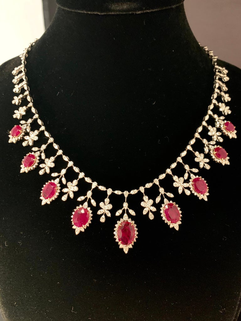 19.32 Carat Ruby Diamond Necklace Set For Sale 4