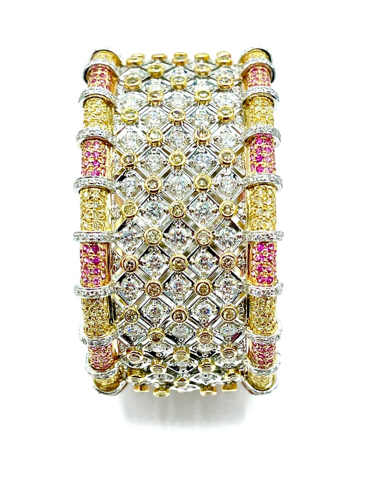 Modern 19.36 Carat Round Brilliant Diamond and Pink Sapphire 18K Gold Cuff Bracelet For Sale