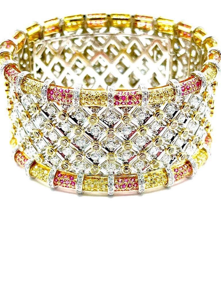 Round Cut 19.36 Carat Round Brilliant Diamond and Pink Sapphire 18K Gold Cuff Bracelet For Sale