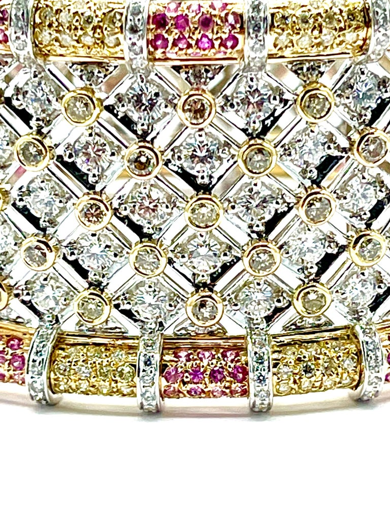 19.36 Carat Round Brilliant Diamond and Pink Sapphire 18K Gold Cuff Bracelet For Sale 3