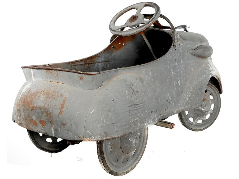 1936 Ford Roadster Pedal Car In Good Condition For Sale In Peekskill, NY