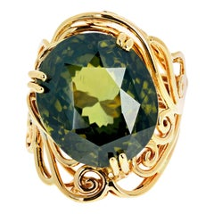 Gemjunky Historical Gemstone 19.4 Carat Natural Green Zircon Yellow Gold Ring