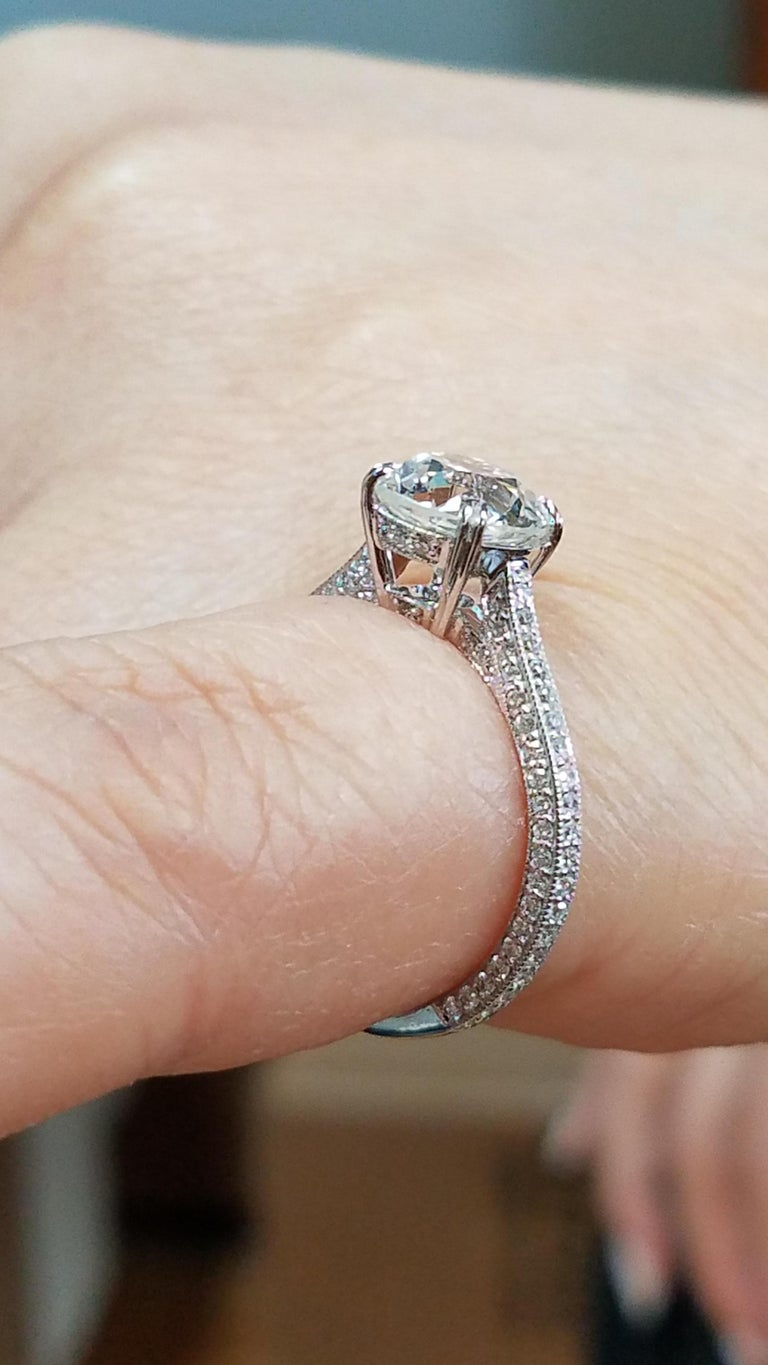 Women's 1.94 carat Old Euro cut Diamond Engagement Ring For Sale