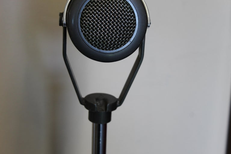 Mid-20th Century 1940s-1950s Tuner Dynamic Microphone Model 99 For Sale