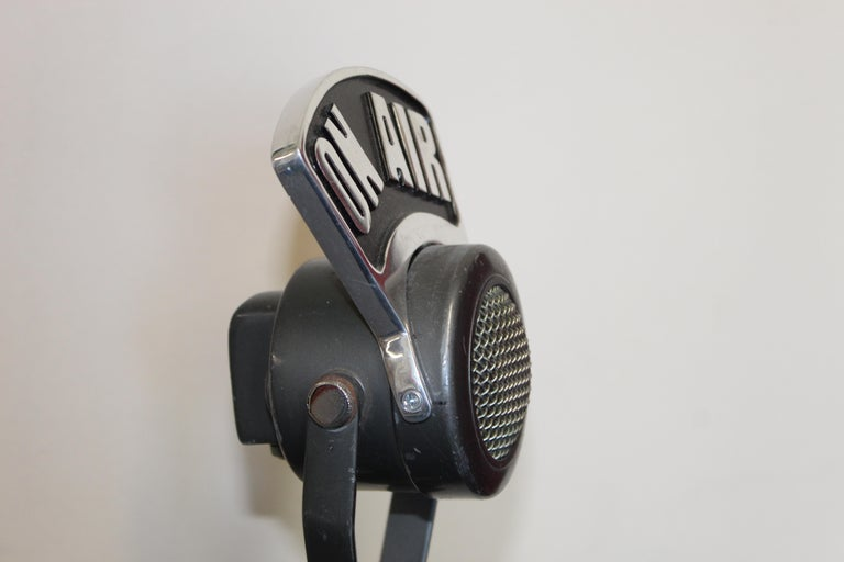 Metal 1940s-1950s Tuner Dynamic Microphone Model 99 For Sale