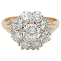 1940 Sensational 2.50 Carat Diamond G VVS/VS Daisy Cluster Ring 18 Karat