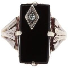 1940s 10 Karat White Gold Diamond and Black Onyx Rectangle Ring