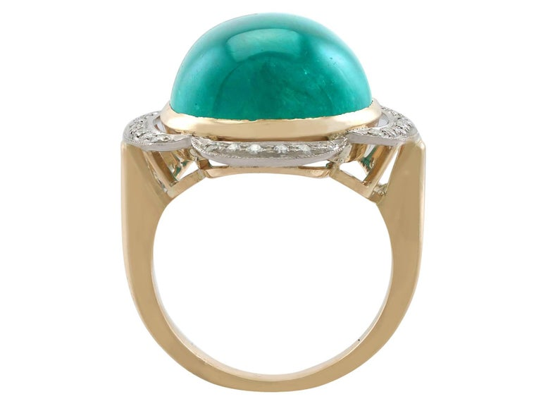Women's or Men's 1940s 14.5 Carat Emerald and Diamond Yellow Gold Cocktail Ring For Sale