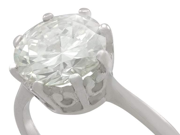 Round Cut 1940s 2.01 Carat Diamond and Platinum Solitaire Ring For Sale