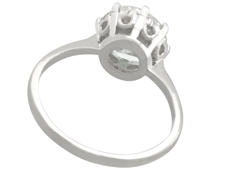 1940s 2.01 Carat Diamond and Platinum Solitaire Ring For Sale 1