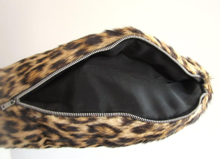 1940s-50s Leopard Print Muff Hand bag Vintage  In Good Condition For Sale In Wallkill, NY