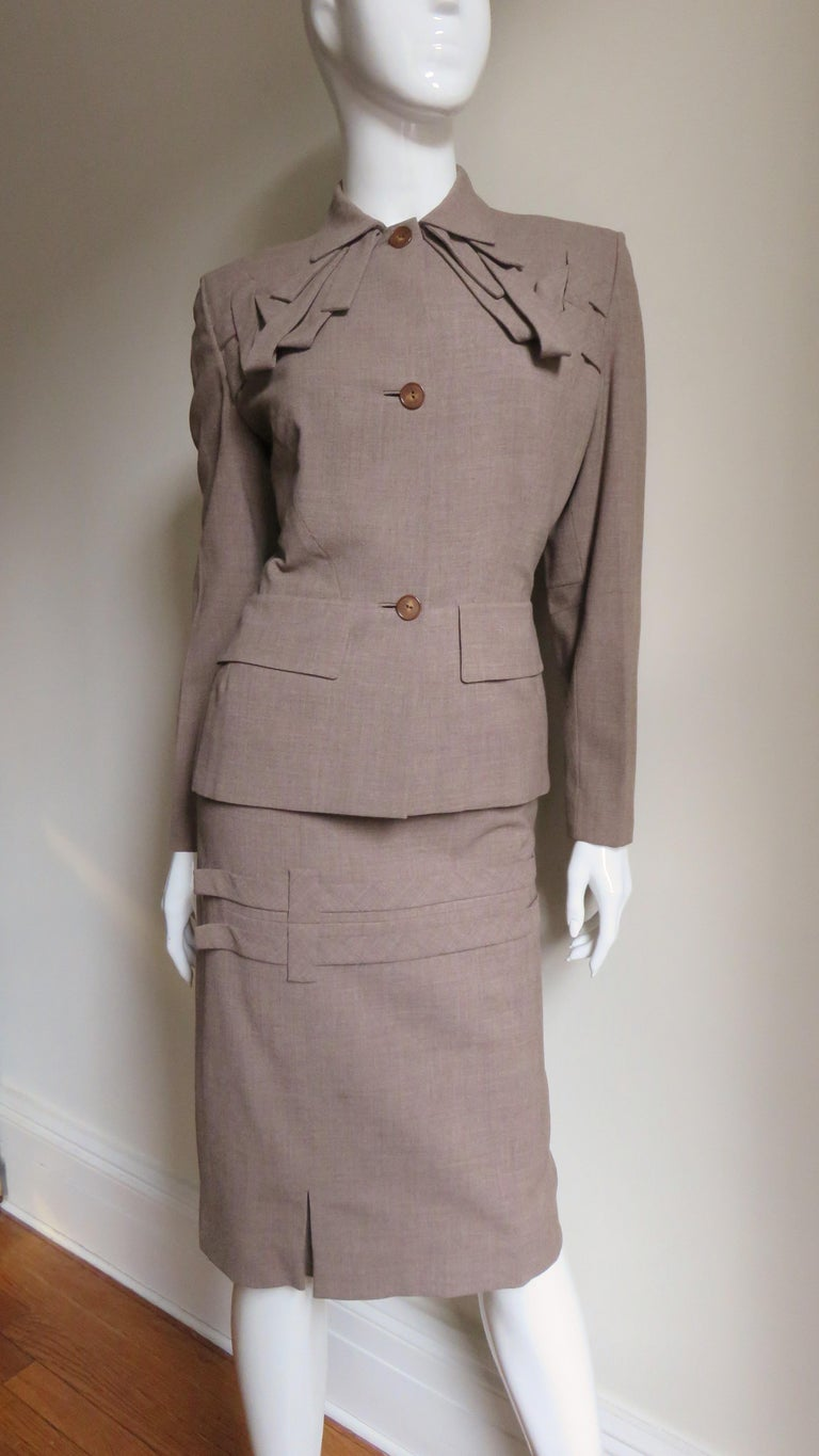 1940s Adrian Detail Skirt Suit For Sale 3