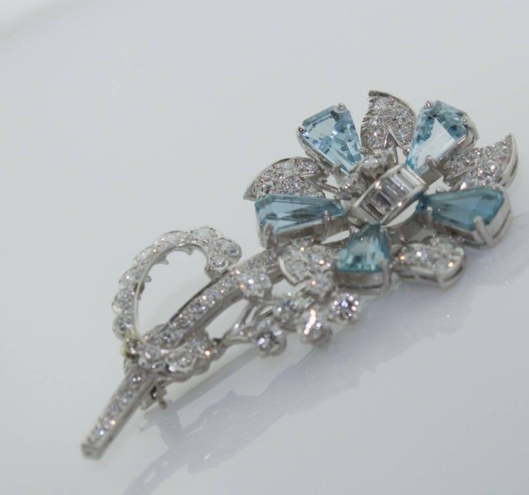 1940s Aquamarine and Diamond Flower Brooch in Platinum In Excellent Condition For Sale In Wailea, HI