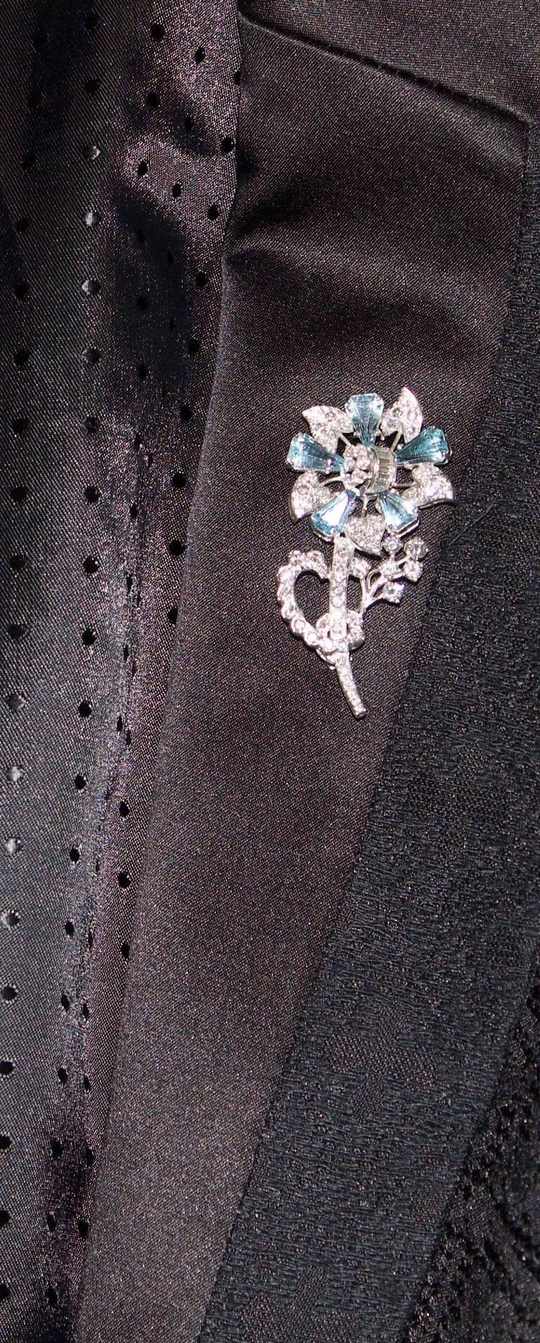 1940s Aquamarine and Diamond Flower Brooch in Platinum For Sale 2