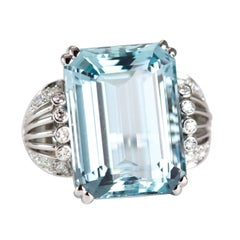 1940s Aquamarine Diamond White Gold Ring