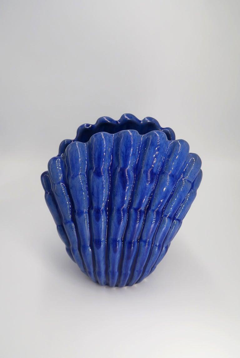 1940s Art Deco Cobalt Blue Shell Shaped Vase by Vicke Lindstrand, Upsala Ekeby For Sale 1