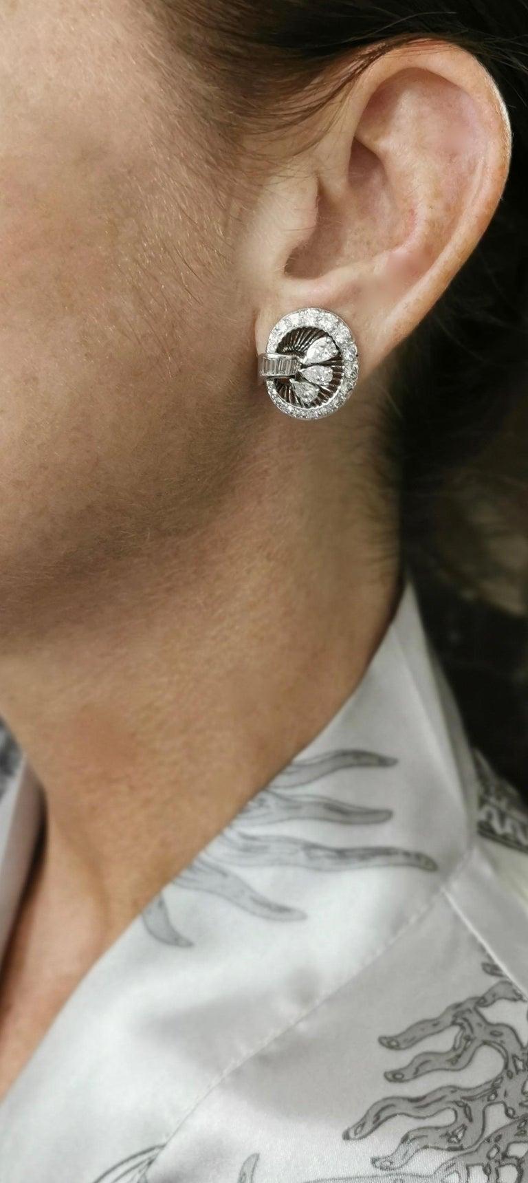Women's or Men's 1940S Art Deco Diamond and Platinum Ear Clips Earrings For Sale
