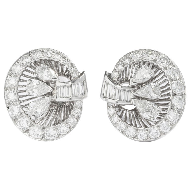 1940S Art Deco Diamond and Platinum Ear Clips Earrings For Sale