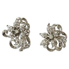 1940s Art Deco Flower Design Diamond 18k White Gold Stud Earrings