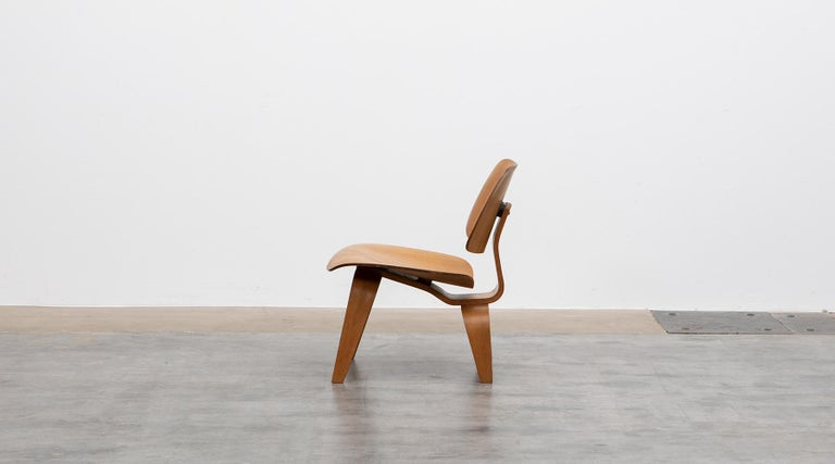 Mid-Century Modern 1940s Ash Plywood LCW Chair by Charles & Ray Eames