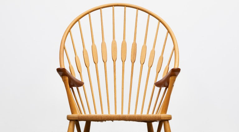 1940s Brown Ash and Papercord Peacock Chair by Hans Wegner For Sale 2