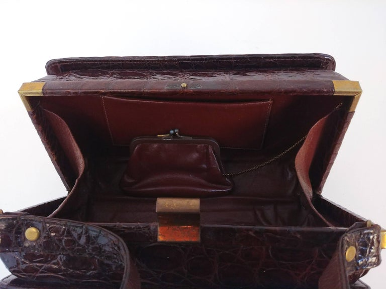 1940s Brown Boxy Alligator Purse For Sale 2