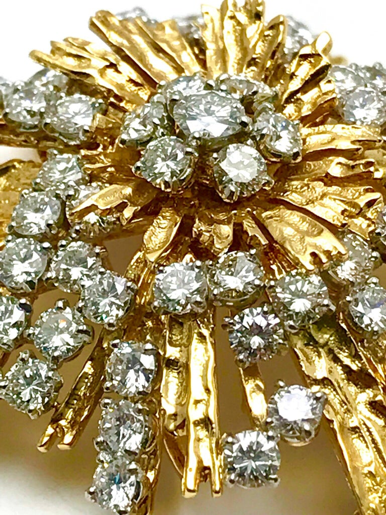1940s Cartier Paris 5.00 Carat Round Diamond Yellow Gold Spray Brooch For Sale 4