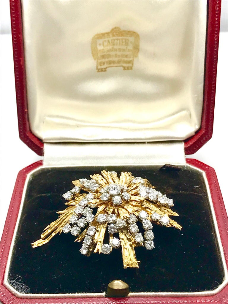 1940s Cartier Paris 5.00 Carat Round Diamond Yellow Gold Spray Brooch For Sale 5