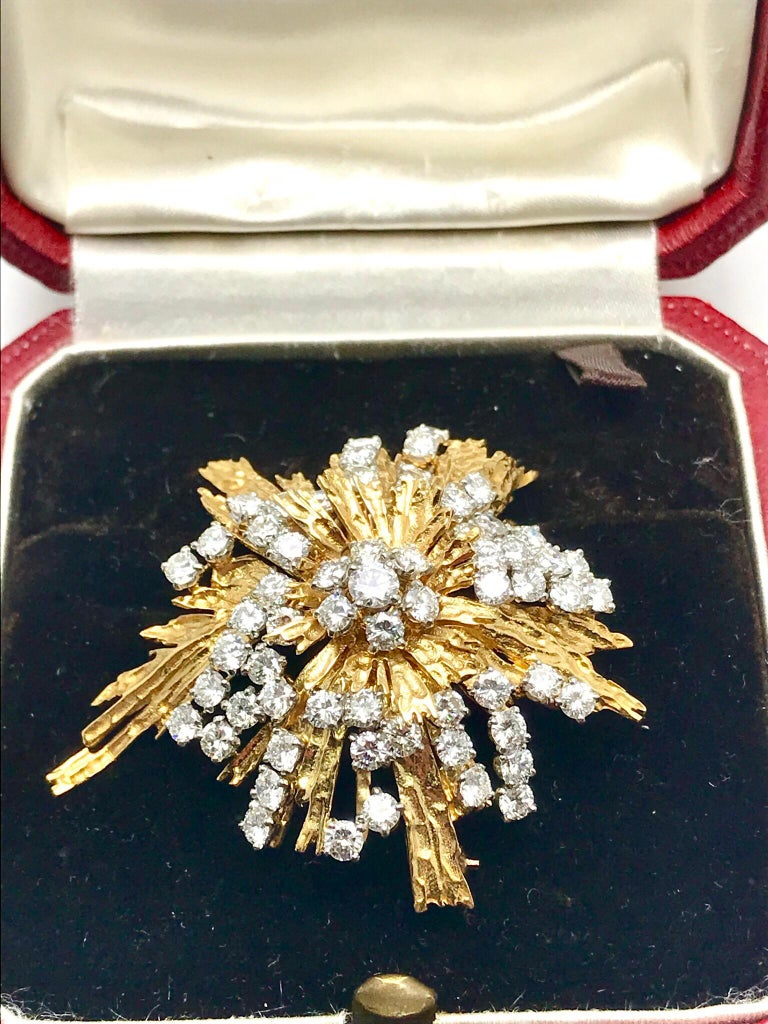 1940s Cartier Paris 5.00 Carat Round Diamond Yellow Gold Spray Brooch For Sale 6