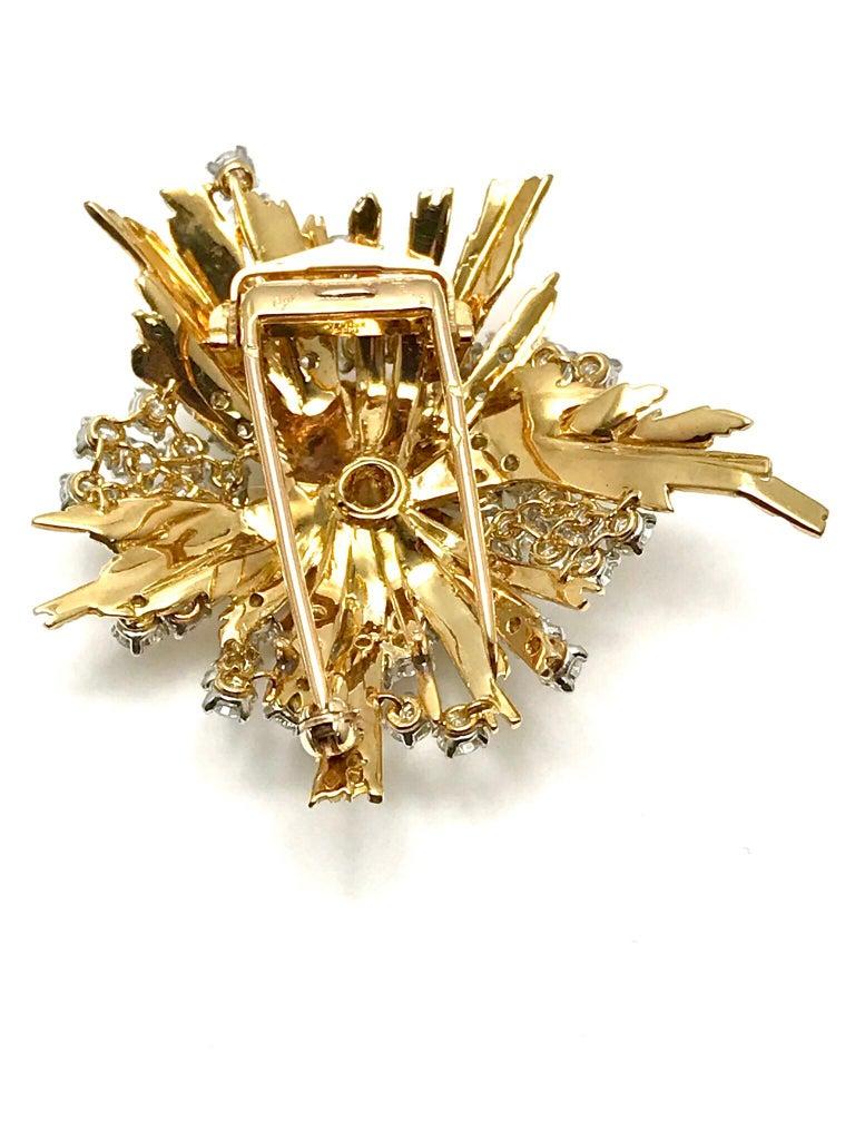 Round Cut 1960s Cartier Paris 5.00 Carat Round Diamond Yellow Gold Spray Brooch For Sale