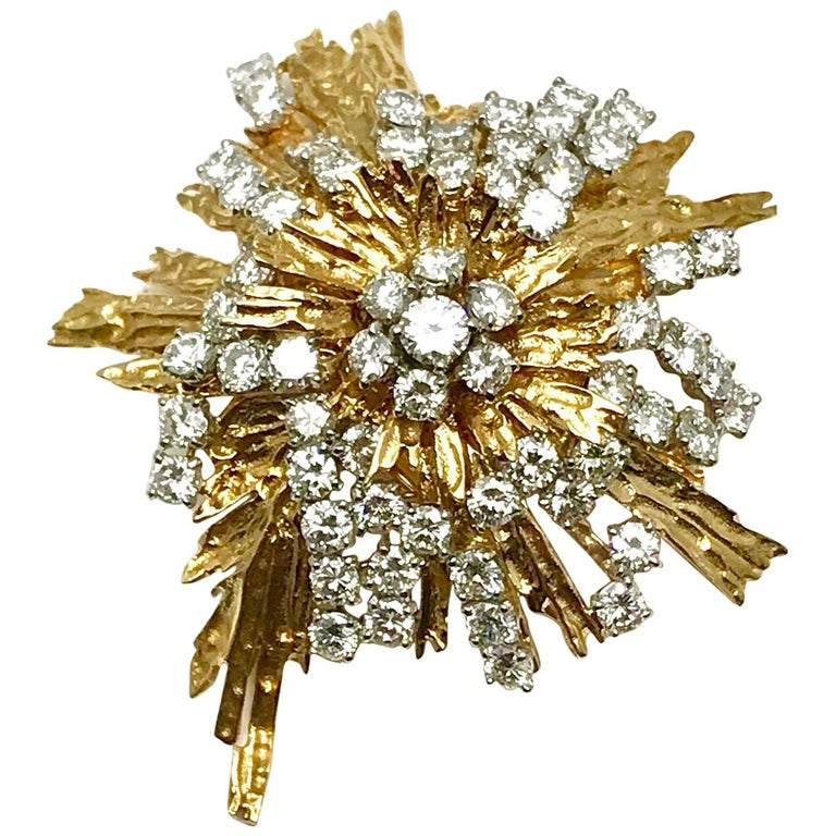 1940s Cartier Paris 5.00 Carat Round Diamond Yellow Gold Spray Brooch For Sale