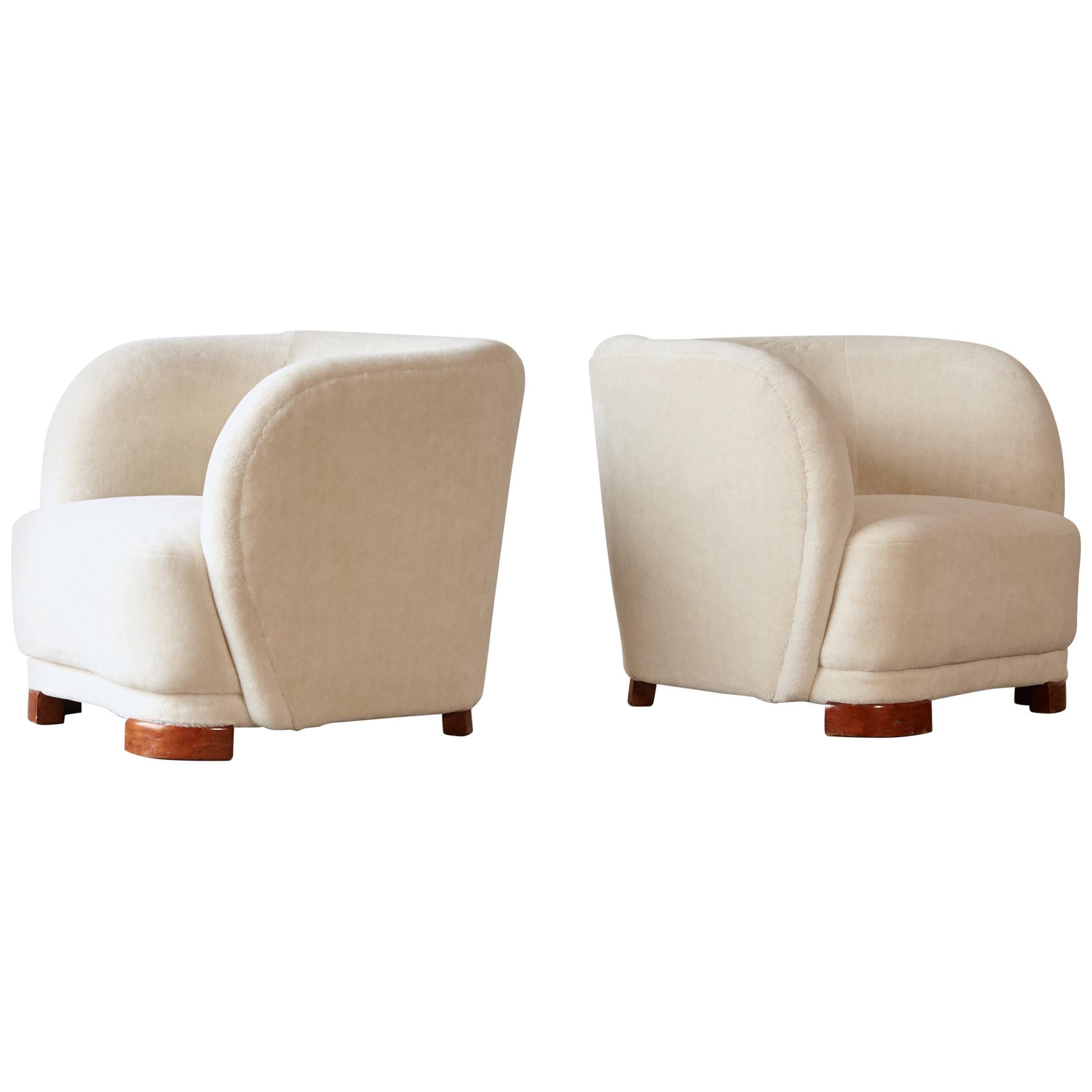 1940s Danish Cabinetmaker Lounge Chairs, Newly Upholstered in Alpaca