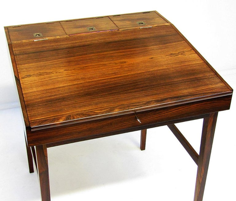 1940s Danish Rosewood NV-40 Writing Desk by Finn Juhl for Niels Vodder For Sale 4