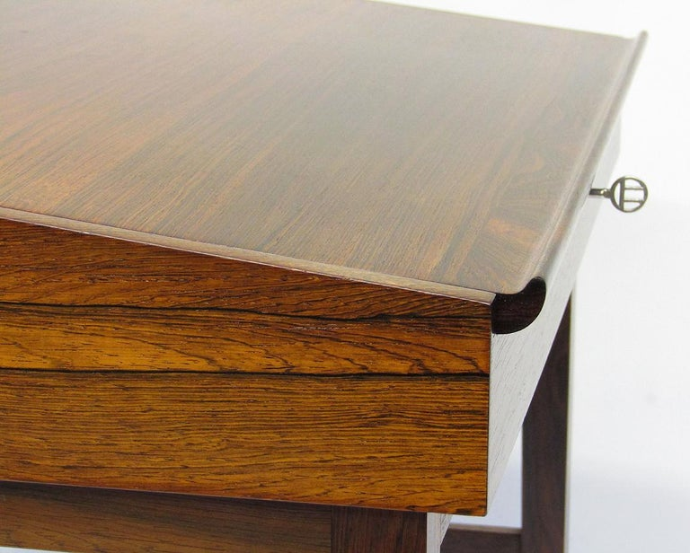 1940s Danish Rosewood NV-40 Writing Desk by Finn Juhl for Niels Vodder For Sale 5