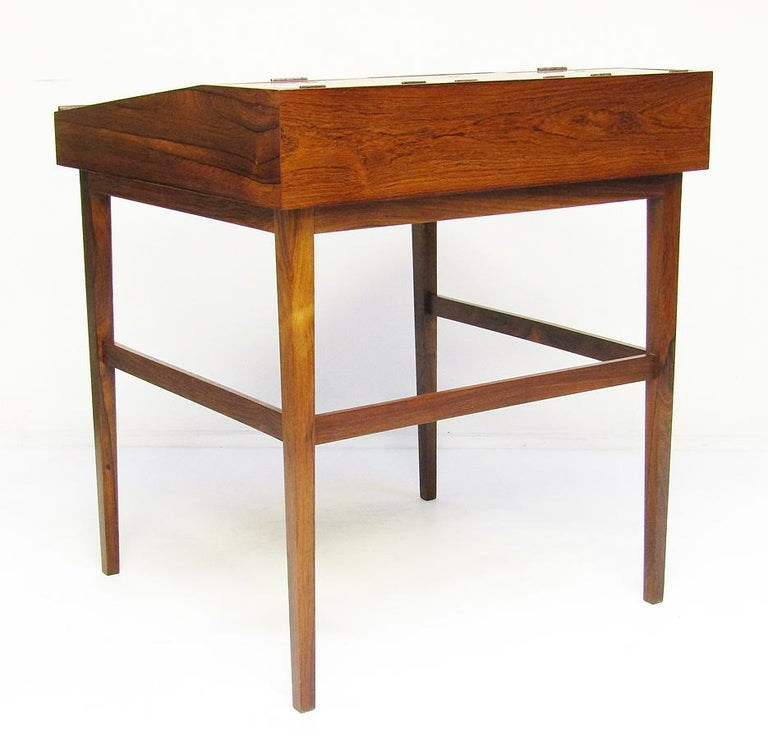 1940s Danish Rosewood NV-40 Writing Desk by Finn Juhl for Niels Vodder For Sale 6