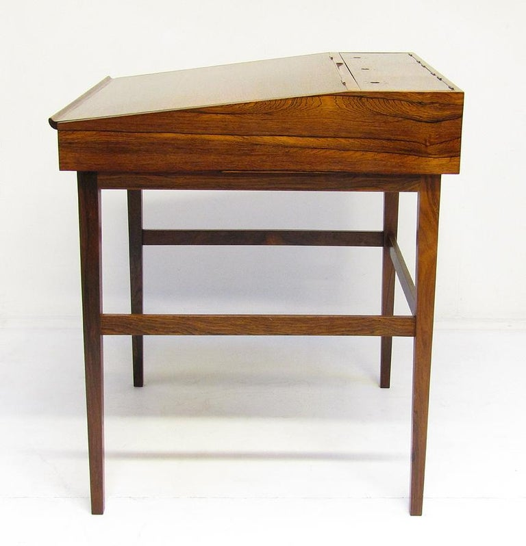 1940s Danish Rosewood NV-40 Writing Desk by Finn Juhl for Niels Vodder For Sale 7