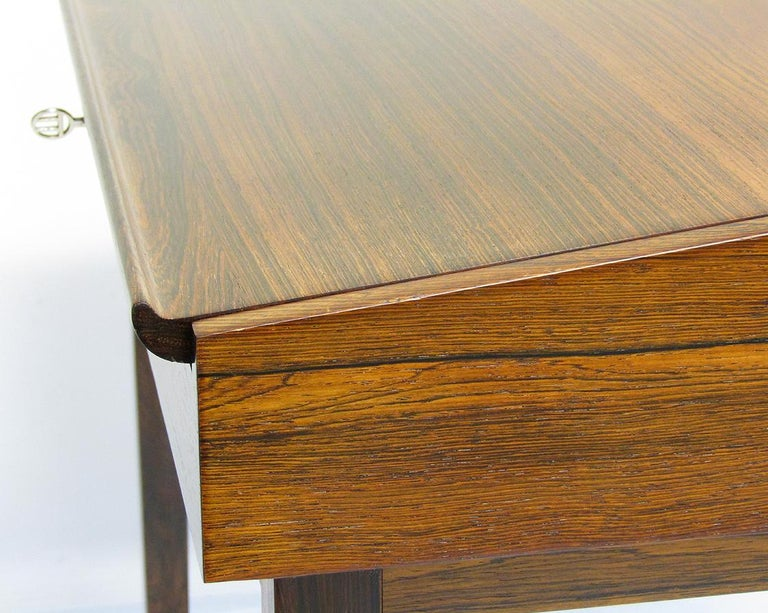 1940s Danish Rosewood NV-40 Writing Desk by Finn Juhl for Niels Vodder For Sale 8