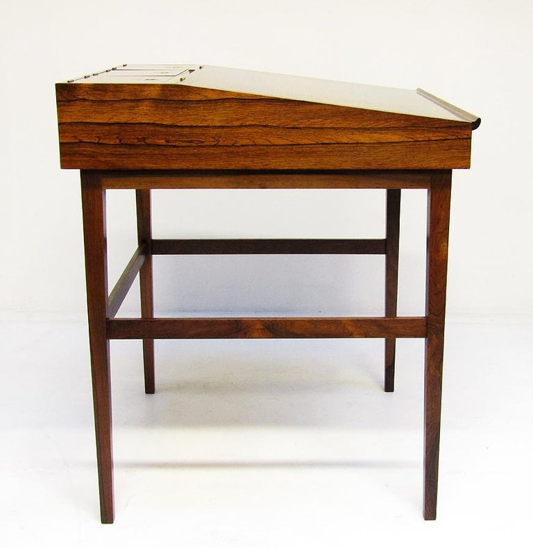 1940s Danish Rosewood NV-40 Writing Desk by Finn Juhl for Niels Vodder For Sale 9