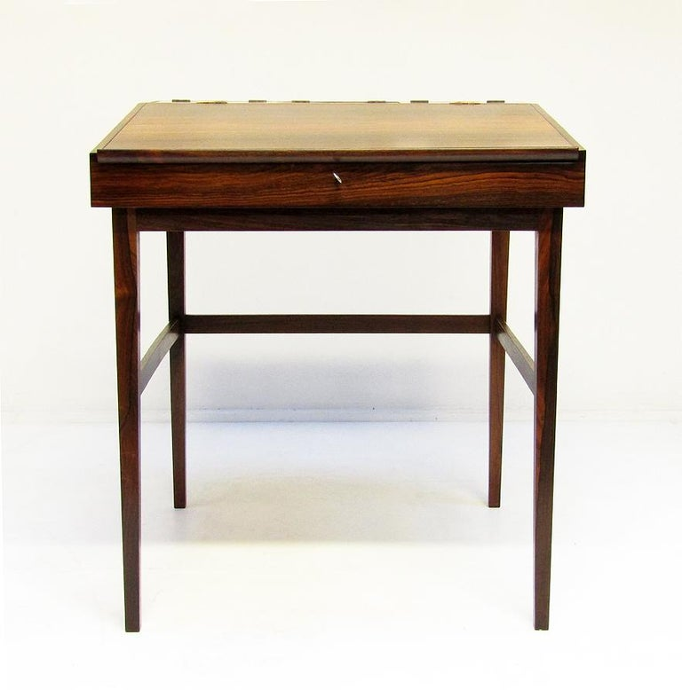 Scandinavian Modern 1940s Danish Rosewood NV-40 Writing Desk by Finn Juhl for Niels Vodder For Sale