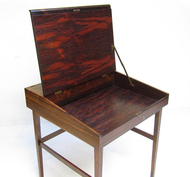 1940s Danish Rosewood NV-40 Writing Desk by Finn Juhl for Niels Vodder In Good Condition For Sale In Shepperton, Surrey