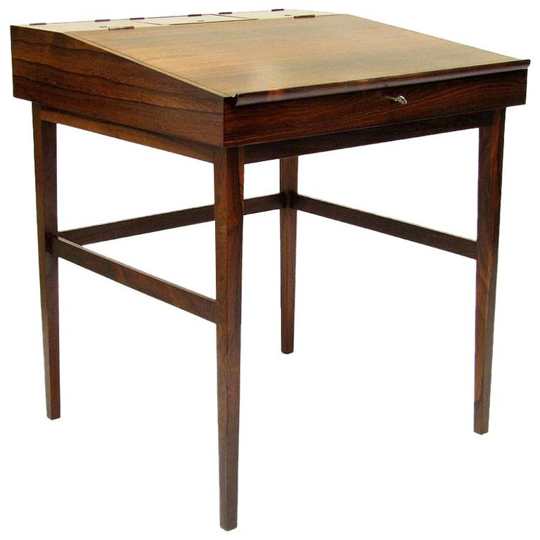 1940s Danish Rosewood NV-40 Writing Desk by Finn Juhl for Niels Vodder For Sale