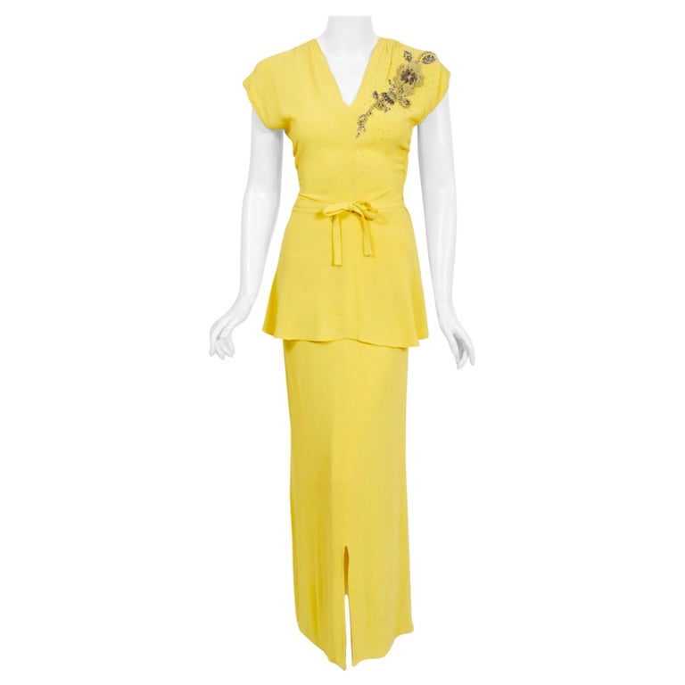 1940's De Pinna of New York Lemon Yellow Rayon-Crepe Beaded Applique Peplum Gown For Sale