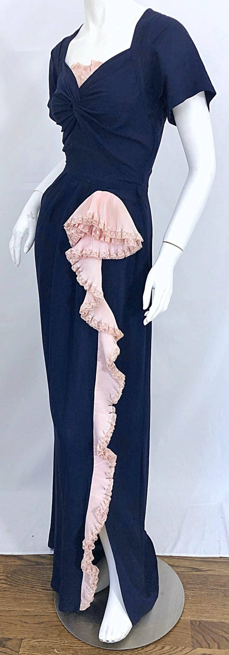 1940s Demi Couture Navy Blue + Pale Pink Short Sleeve 40s Vintage Gown / Dress For Sale 5