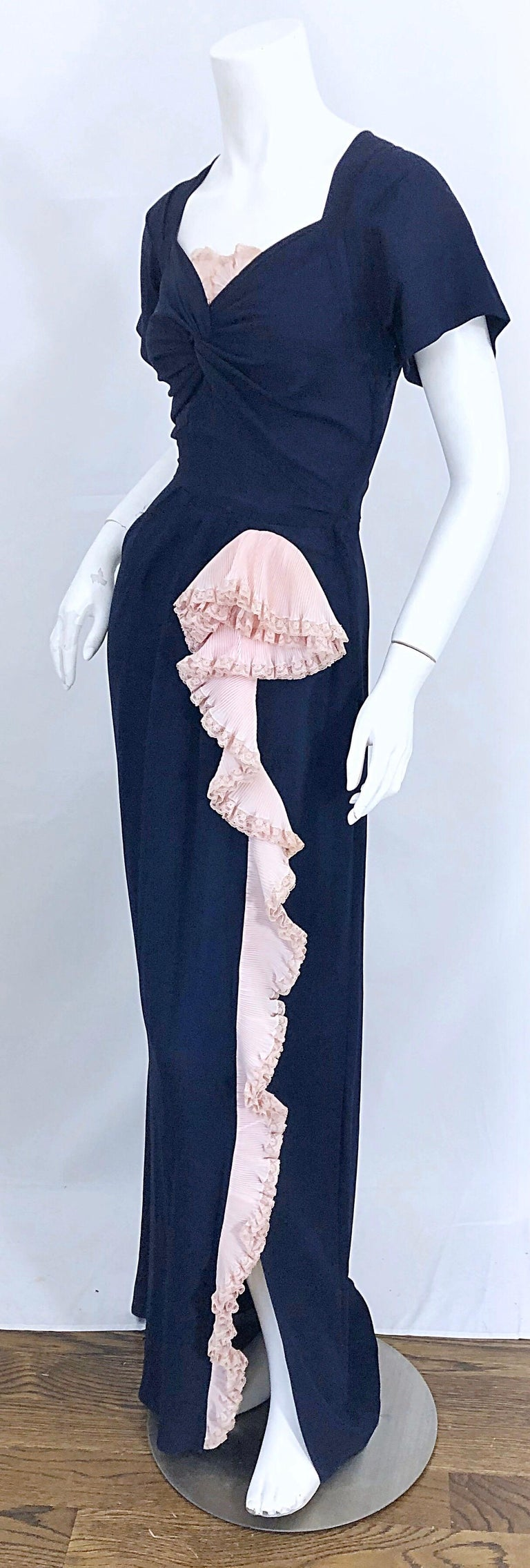 Women's 1940s Demi Couture Navy Blue + Pale Pink Short Sleeve 40s Vintage Gown / Dress For Sale