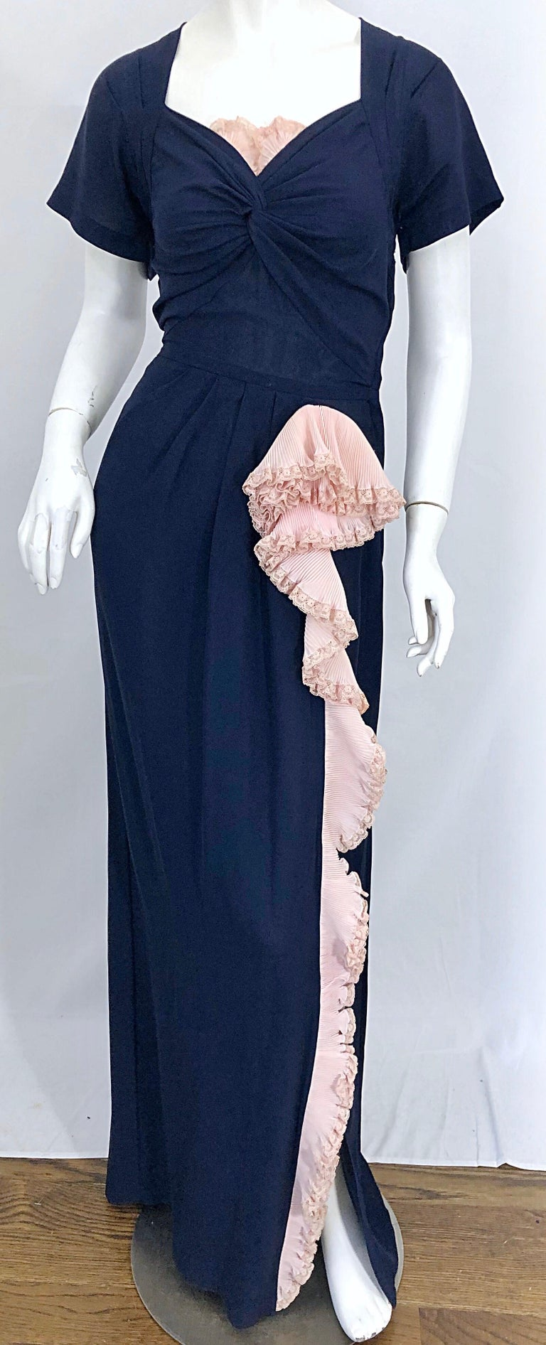 1940s Demi Couture Navy Blue + Pale Pink Short Sleeve 40s Vintage Gown / Dress For Sale 4