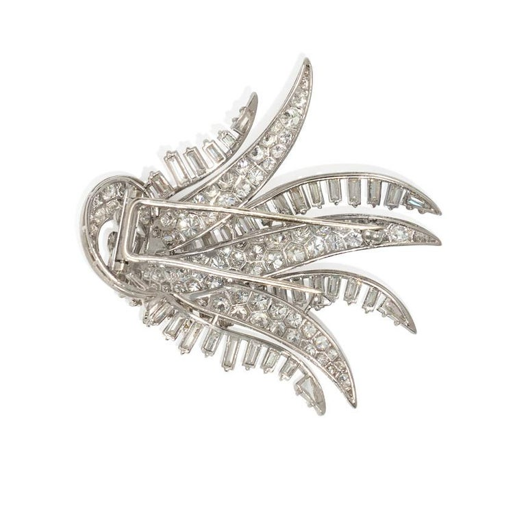 Retro 1940s Diamond and Platinum Cascading Spray Brooch in Platinum For Sale
