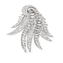 1940s Diamond and Platinum Cascading Spray Brooch in Platinum