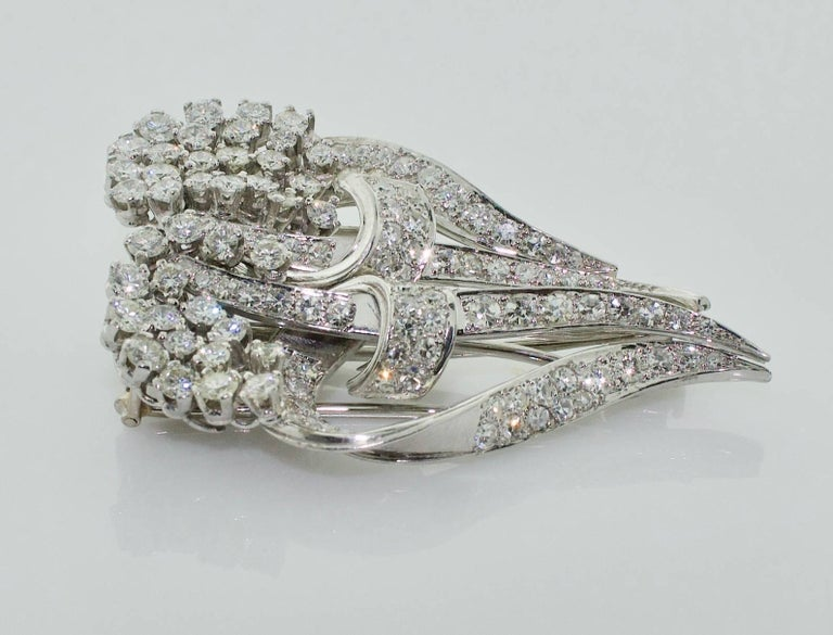 1940s Diamond Brooch Clips and Necklace In Excellent Condition For Sale In Wailea, HI