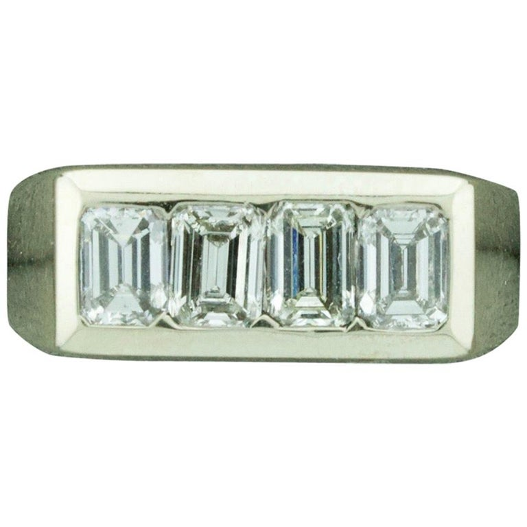 1940s Diamond Ring 1.20 Carat of Emerald Cuts For Sale