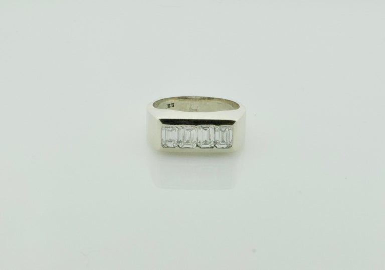 Women's or Men's 1940s Diamond Ring 1.20 Carat of Emerald Cuts For Sale